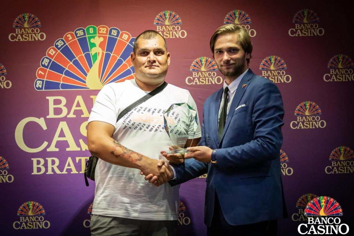 Hlavný turnaj Vienna Poker Weekend pasoval za víťaza domáceho hráča Milana Dunka!